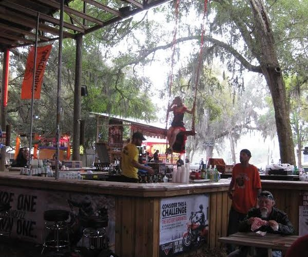 Outdoor Trapeze bar 02